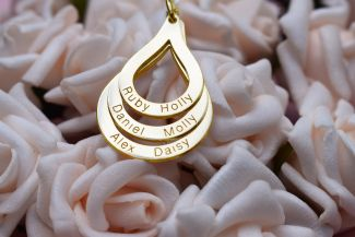 9ct Yellow Gold Plated Engraved Triple Tear Drop Pendant