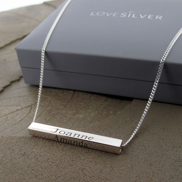 3D Horizontal Engraved Name Bar Pendant With Chain